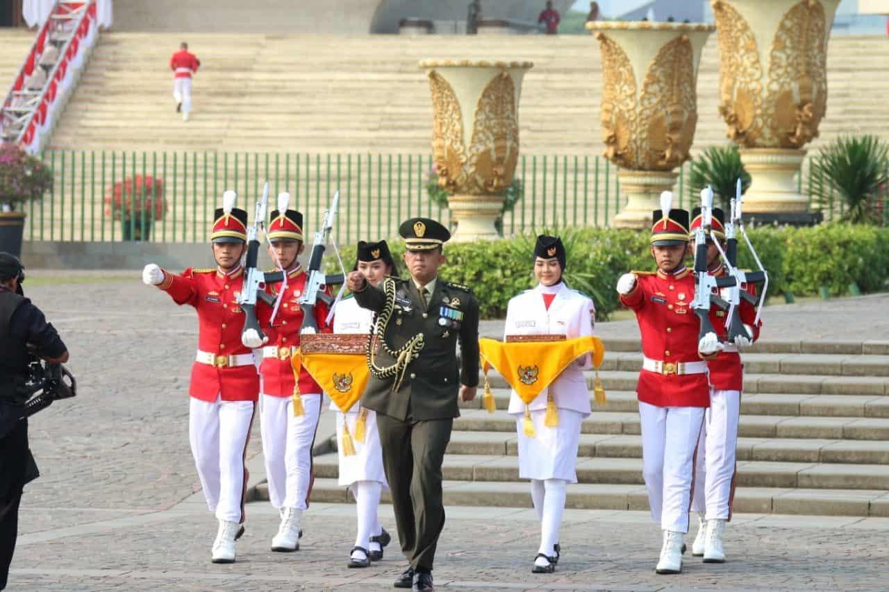 Potret Pasukan TNI AD di Peringatan HUT ke-74 Kemerdekaan RI