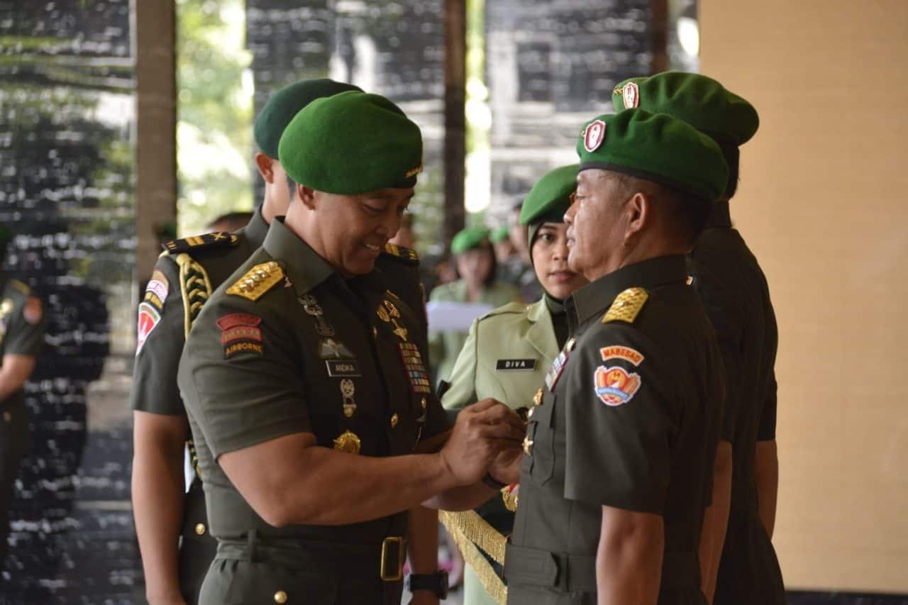 Jadi Asrena Kasad, Brigjen TNI Hassanudin Disumpah dan Tanda Tangani Pakta Integritas
