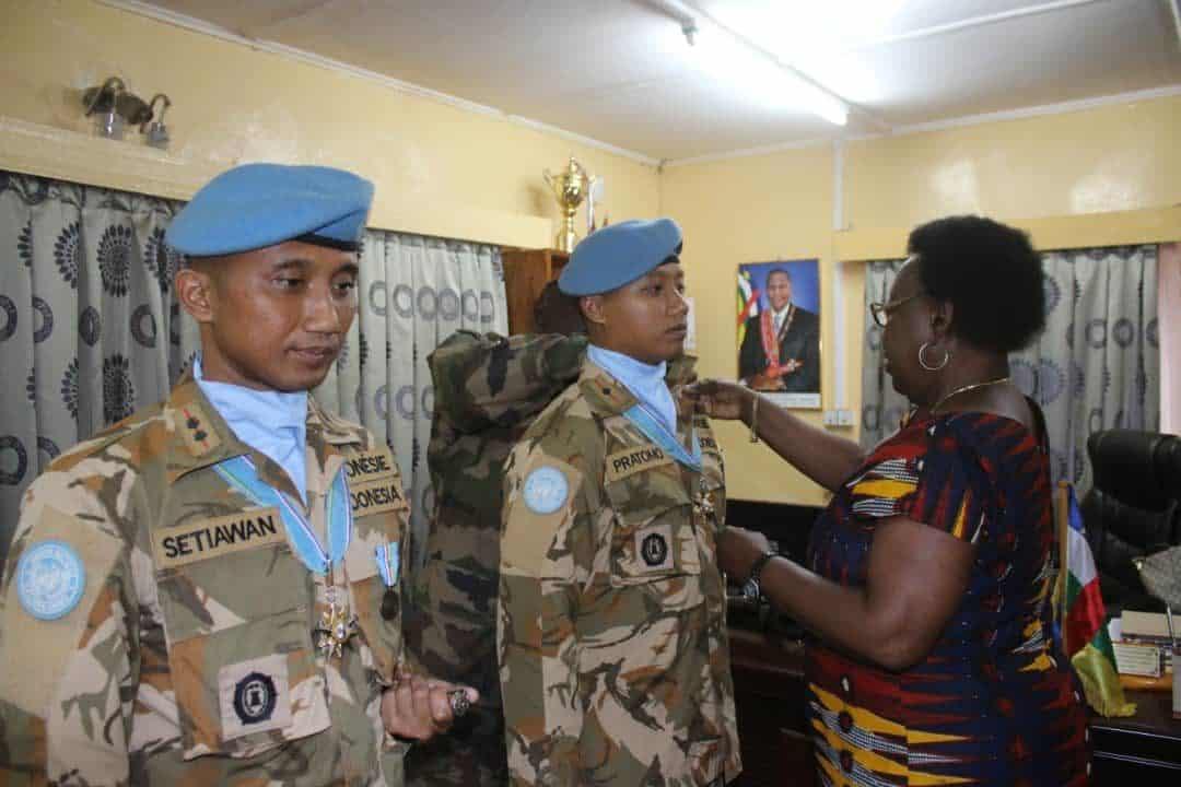 Apresiasi Kinerja Satgas KIZI MINUSCA, Presiden Afrika Tengah Anugerahkan 2 Medali Penghargaan