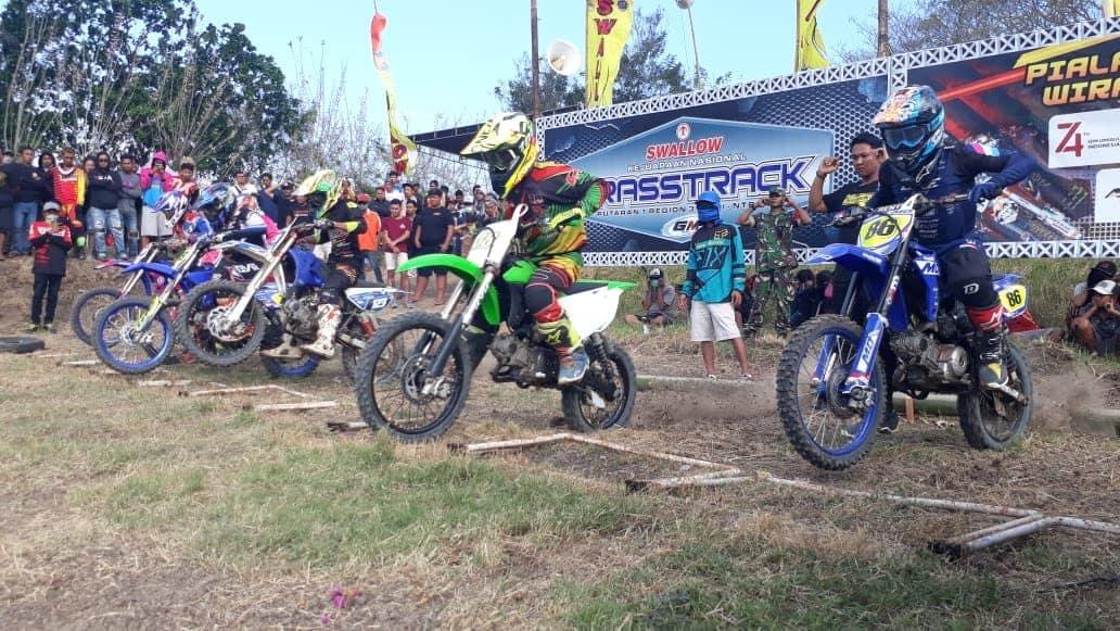 50 Pembalap Berlaga Di Kejurnas Grasstrack Dan Motocross Perebutkan Piala Danrem 163