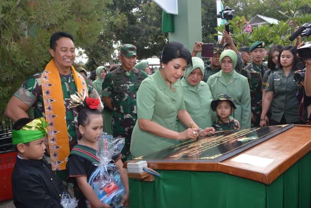 Kasad dan Ketum Persit KCK Tatap Muka Dengan Keluarga Besar Korem 162/WB