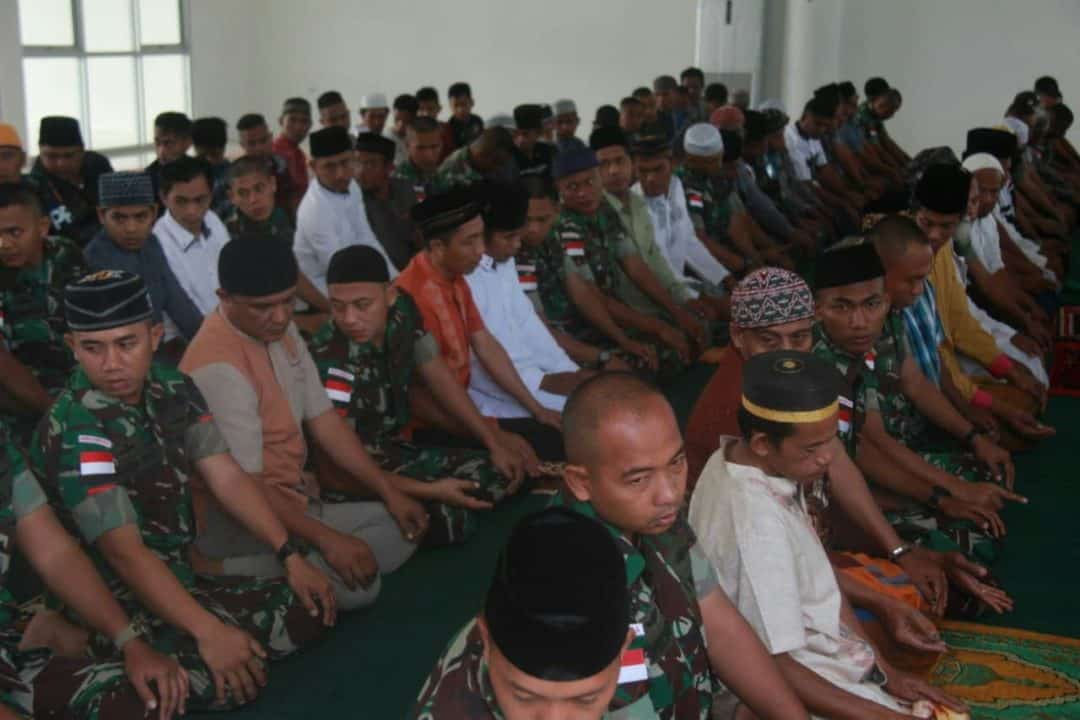 Tingkatkan Kesabaran dan Rasa Kemanusian, Satgas PR 328/DGH Rayakan Idul Adha di Perbatasan