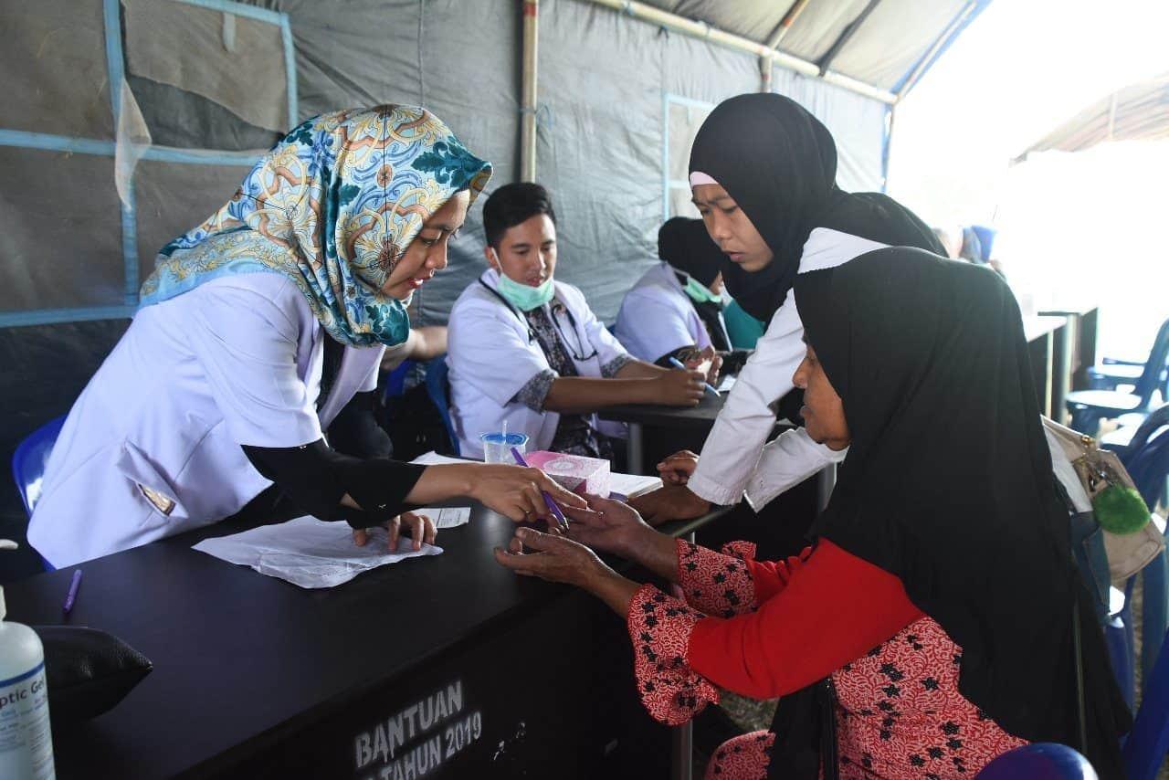 Wujud Terima Kasih, TNI AD Bagikan Ribuan Sembako dan Pengobatan Gratis di Martapura