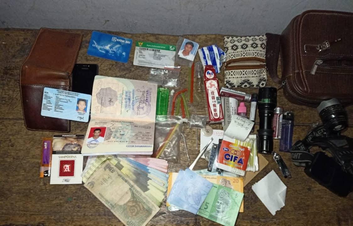 Bawa Paket Sabu, Warga Jago Babang Diamankan Satgas Pamtas Yonmek 643
