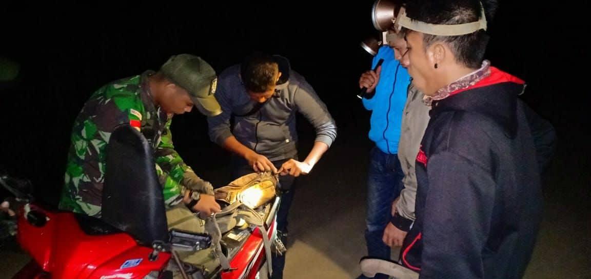 Pemeriksaan Rutin Satgas Pamtas 303/SSM, Amankan Senpi dan Miras di Trans Kalimantan
