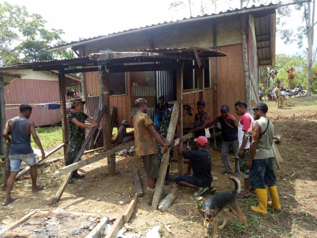 Bangun Kebersamaan, Satgas Pamtas Yonif R 509 Renovasi Rumah Ibadah