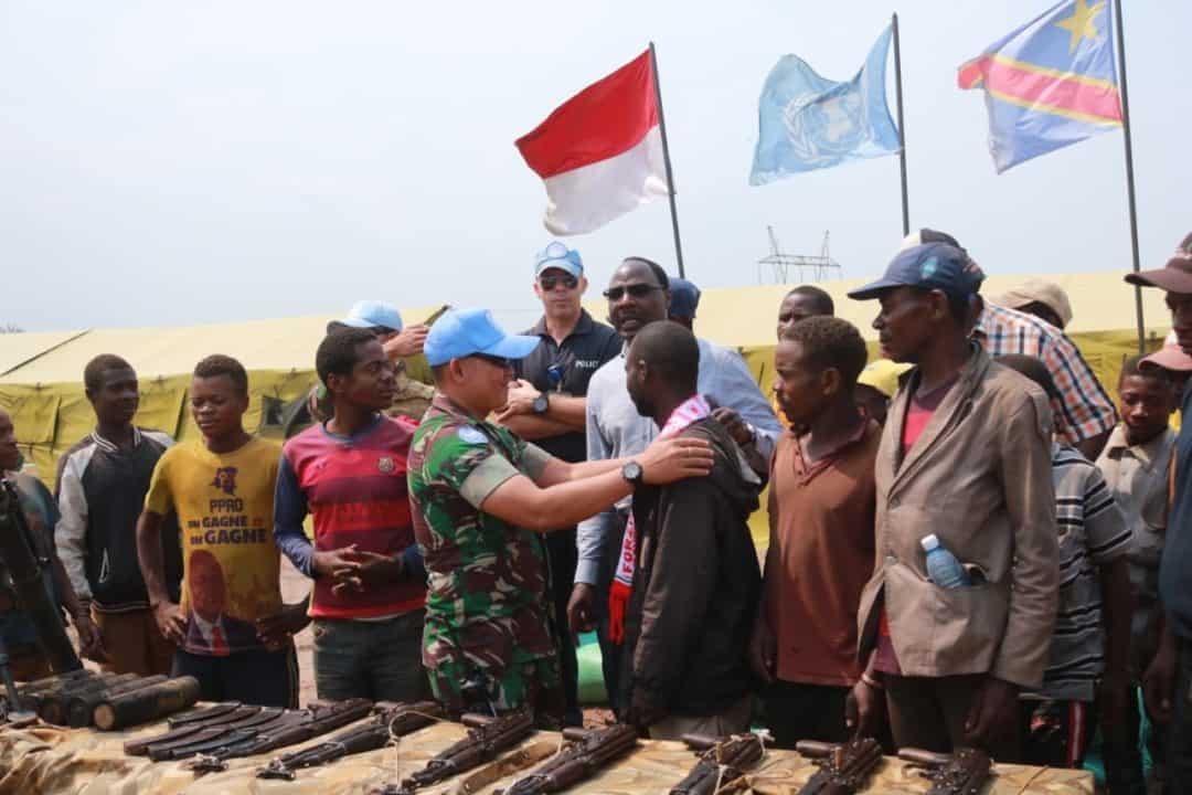 Rebut Hati Warga Kongo, Satgas RDB MONUSCO Kembali Terima 7 Pucuk AK-47 dan Mortir