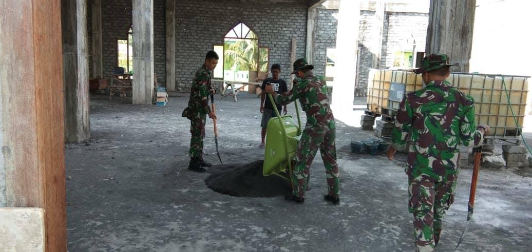 Bangun Masjid Pertama, Satgas 734/SNS Wujudkan Kenyamanan Beribadah Warga Halut