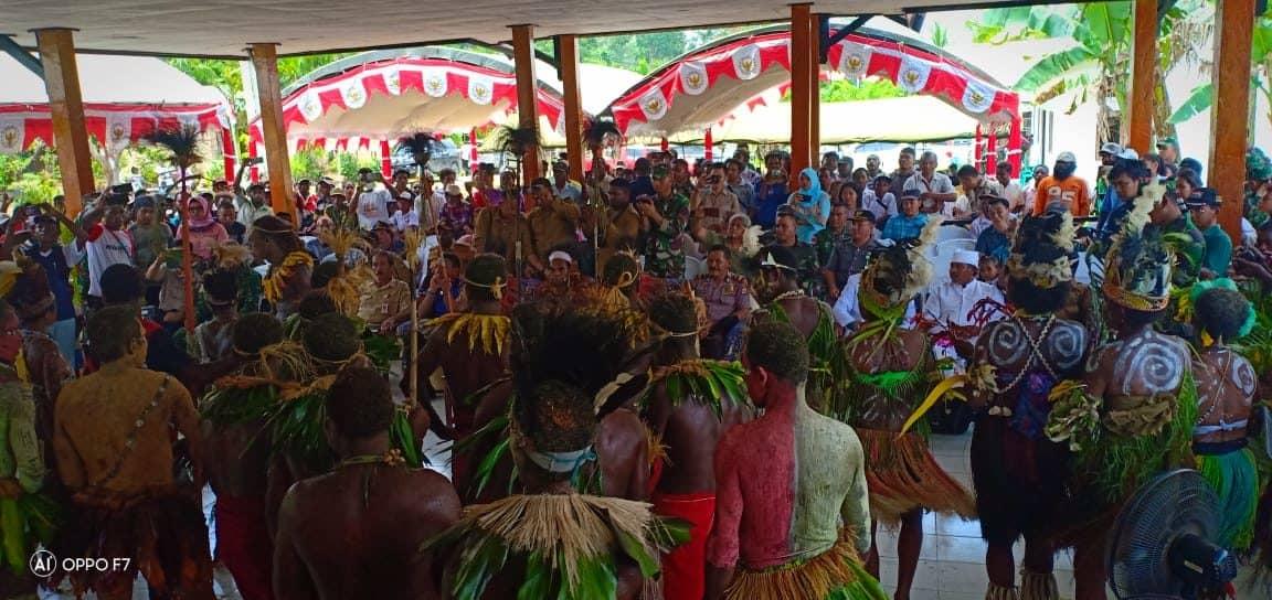 Gelorak Satu Nusa Untuk Papua Damai, Satgas Yonif 713 dan Warga Bulatkan Tekad Persatuan dan Persaudaraan