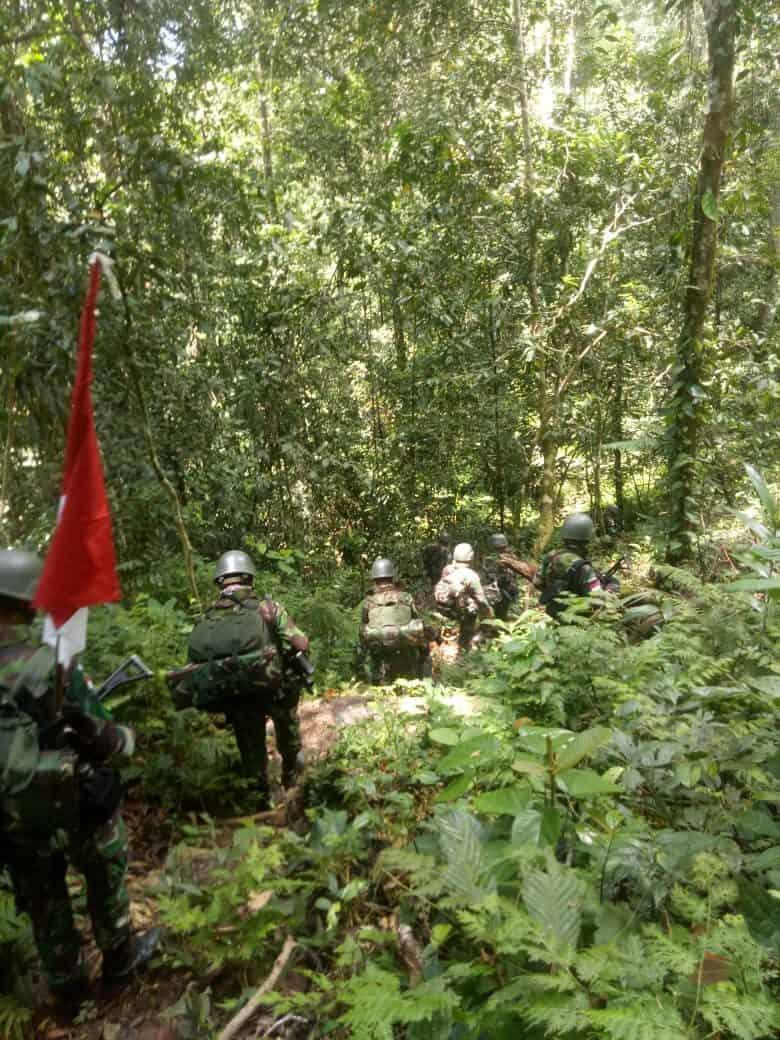 Tempuh 78 Km, Satgas Yonif R 509 Jamin Kedaulatan Negara dan Kesehatan Warga Papua