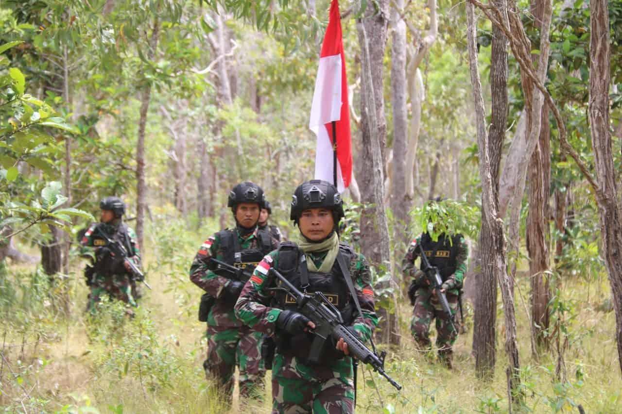 Jamin Tidak Bergeser, Satgas Yonif MR 411 Patroli Patok Batas Negara Sejauh 21 Km