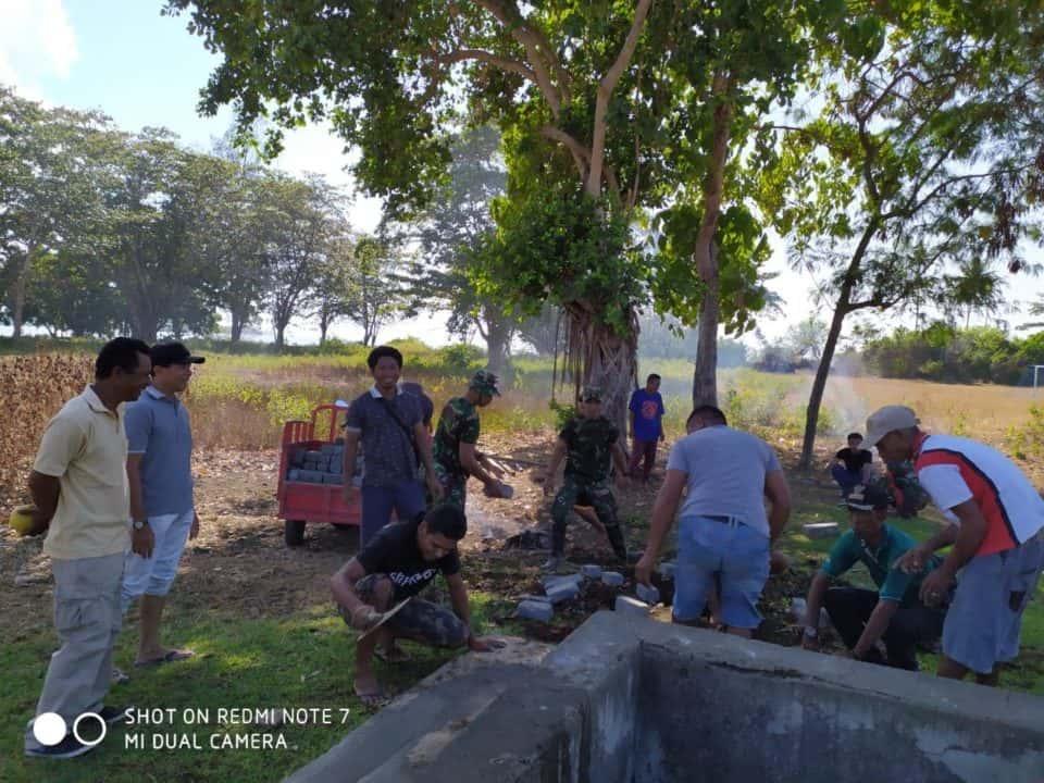 Bangun Sanitasi, Satgas Yonif 734 Cegah Epidemi Penyakit di Maluku Utara