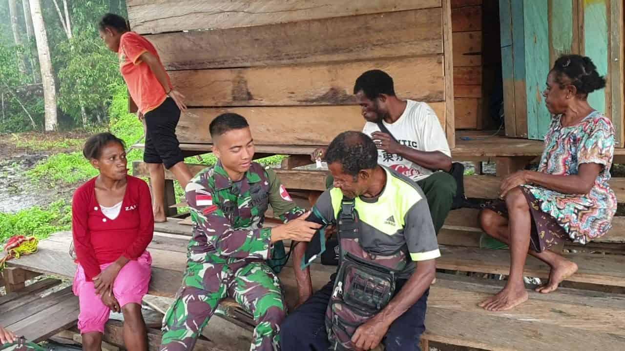Pelayanan Kesehatan Door to Door, Komitmen Satgas Yonif R 300 Peduli Kesehatan Warga Papua