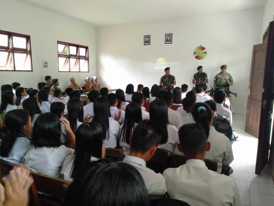 Rekrut Pemuda Pemudi Perbatasan, Satgas Pamtas Yonif R 303 Sosialisasikan Penerimaan Prajurit TNI di Malinau
