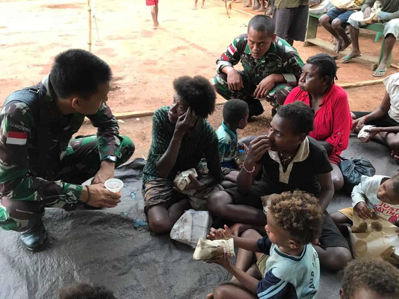 Maknai Peringatan HUT Ke-74 TNI, Satgas Yonif 411 Gelar Syukuran di Kampung Yanggandur