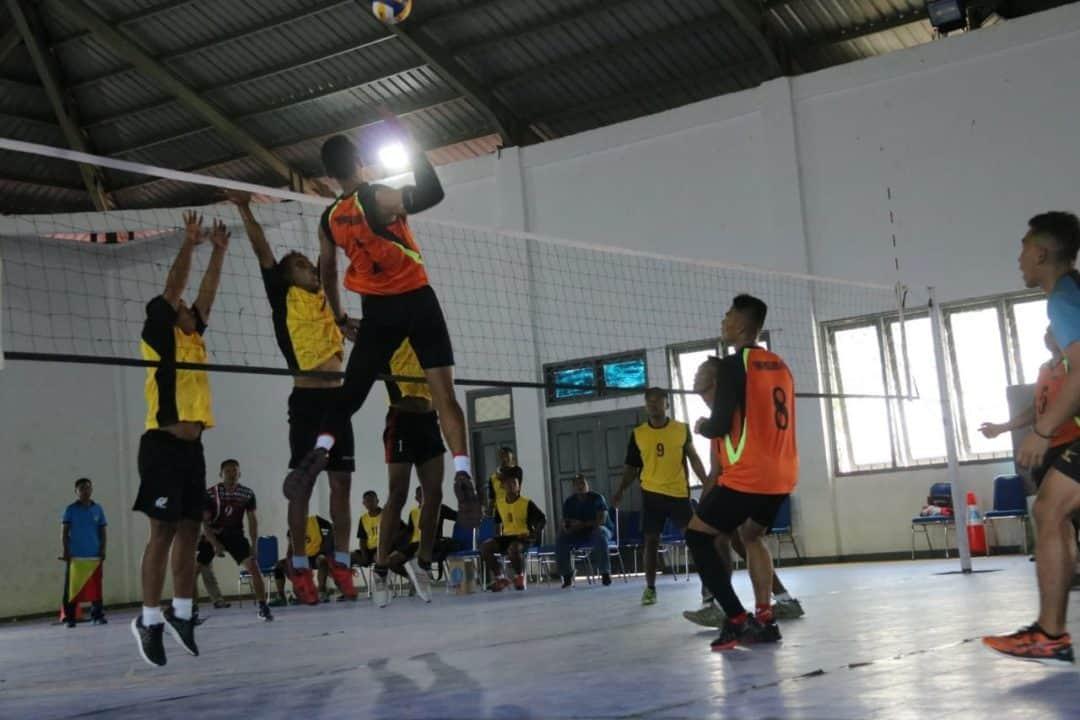 Junjung Sportifitas, Satgas Yonif MR 411 Rebut Juara Voli TNI di Merauke