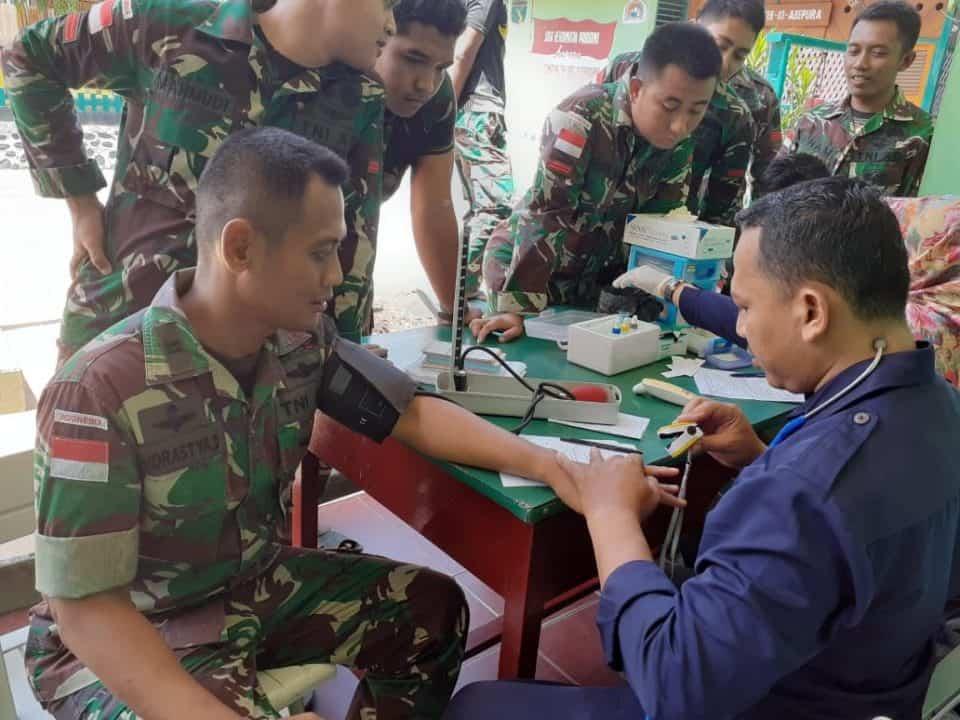 Tingkatkan Jiwa Sosial, Darah Satgas Yonif 509 Bantu Korban Kerusuhan Abepura