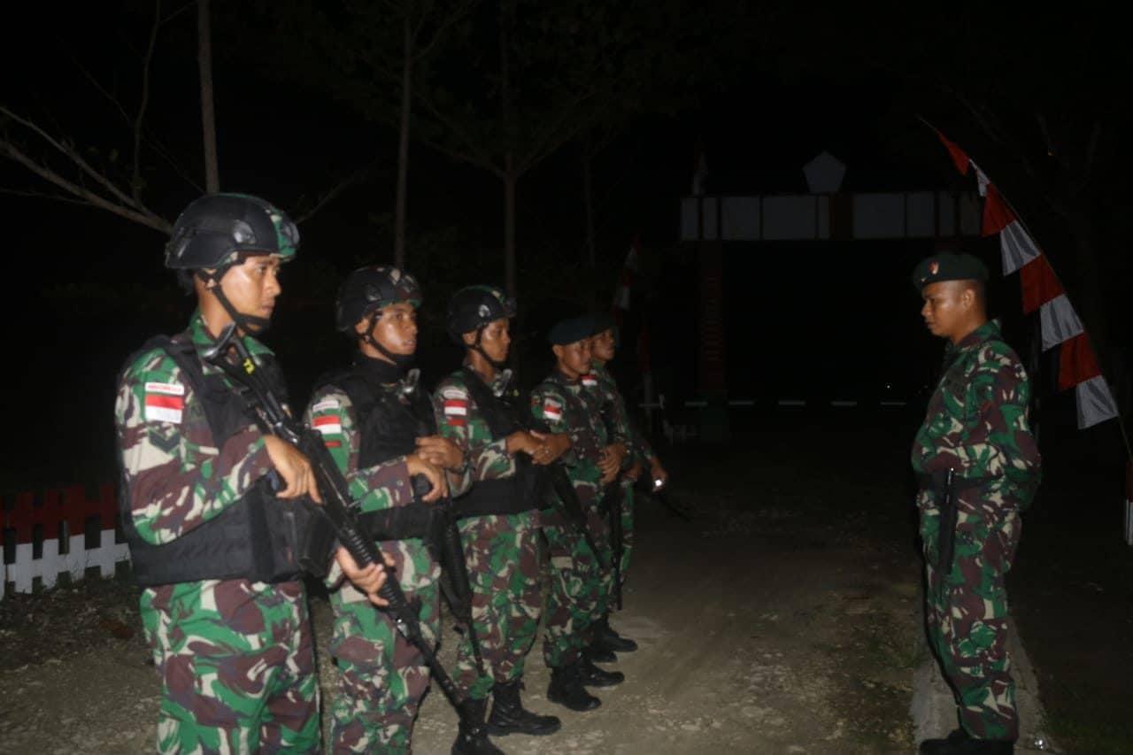 Tingkatkan Keamanan Wilayah, Satgas Yonif 300/Bjw Intensifkan Patroli Malam Hari di Keerom