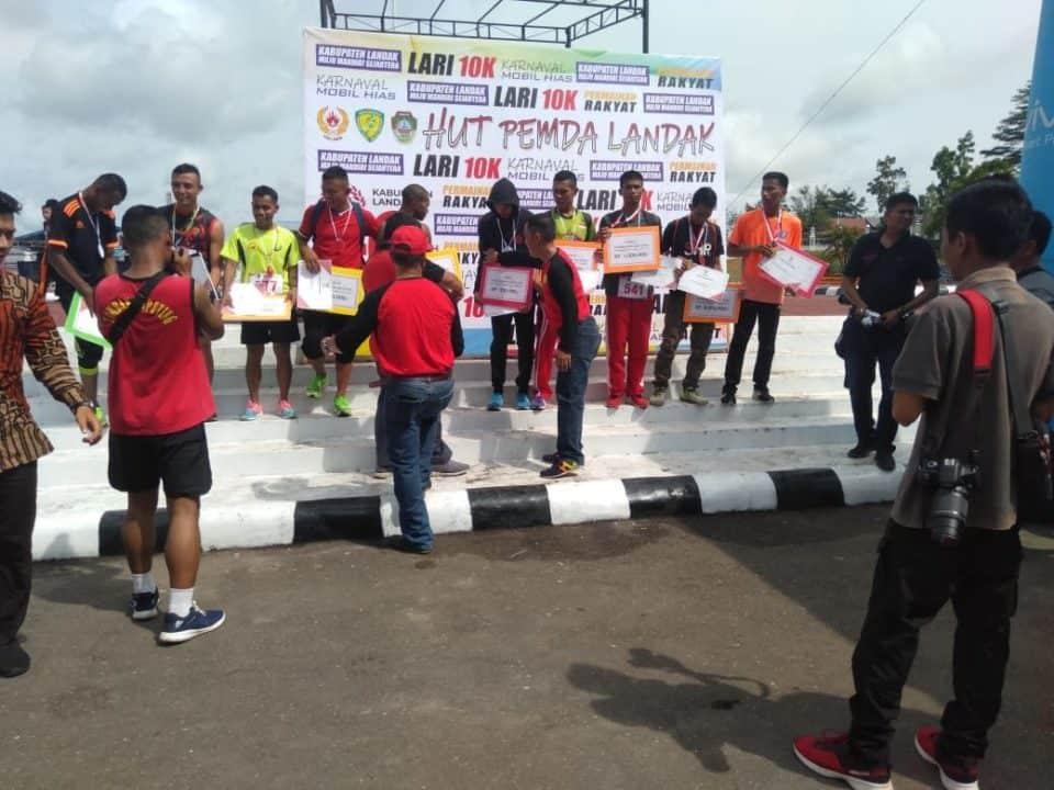 Meriahkan HUT Pemkab Landak, Prada Musa Rebut Juara Lari 10 K