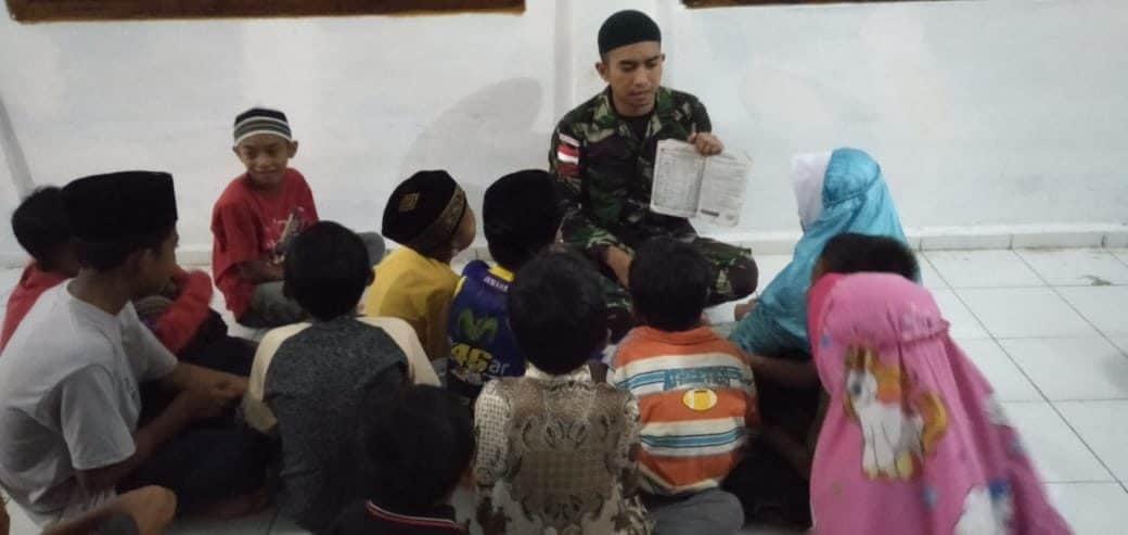 Satgas Pamtas Yonif R 300/Bjw, Bina Anak-anak Perbatasan Pentingnya Pendidikan Agama
