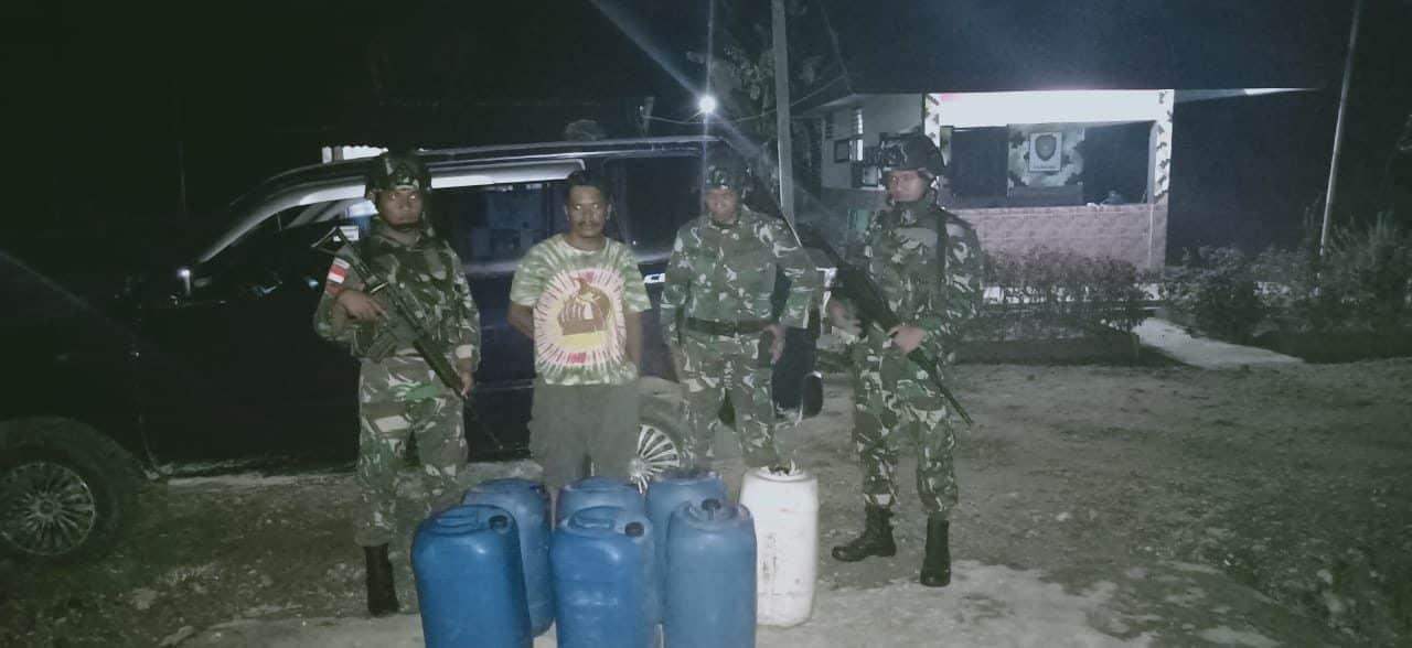 Ratusan Liter BBM Tanpa Dokumen Diamankan Satgas Yonif 300 di Keerom