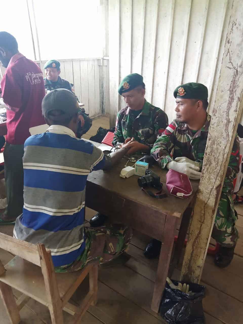 Jamin Kesehatan Warga Papua, Satgas Yonif R 509 Gelar Pengobatan Massal di Pegunungan Bintang