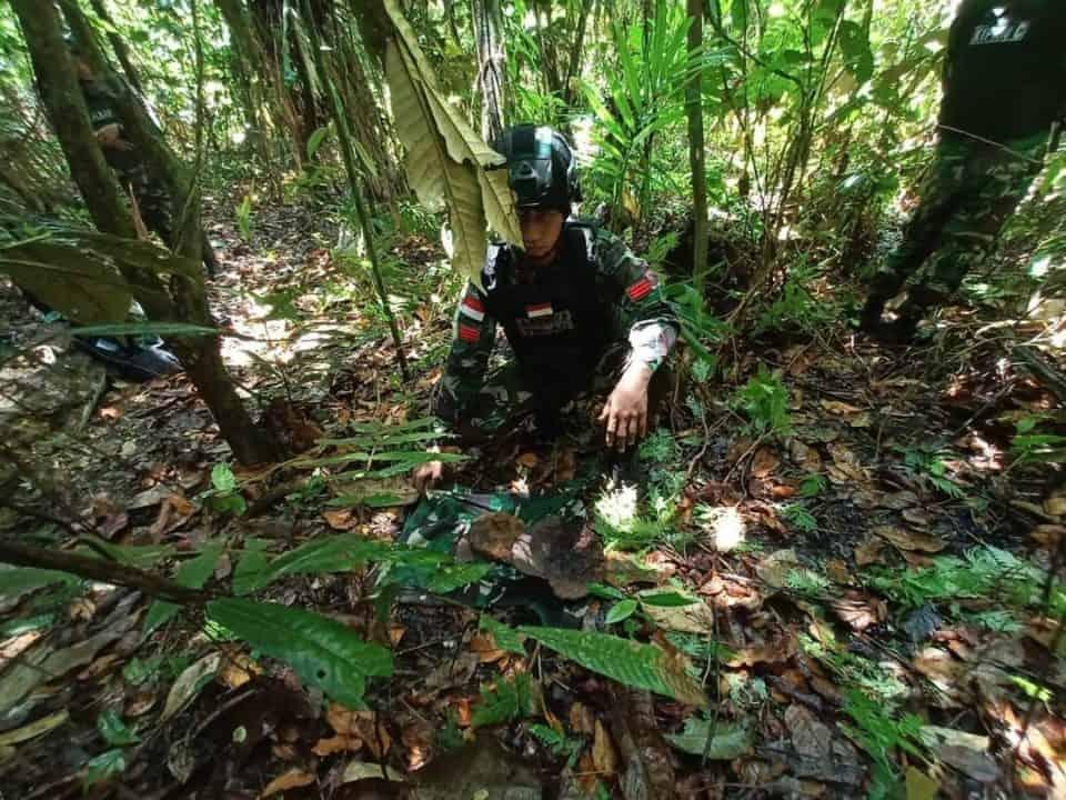 Satgas Yonif 713 Amankan Ranjau Anti Tank Aktif di Perbatasan RI-PNG