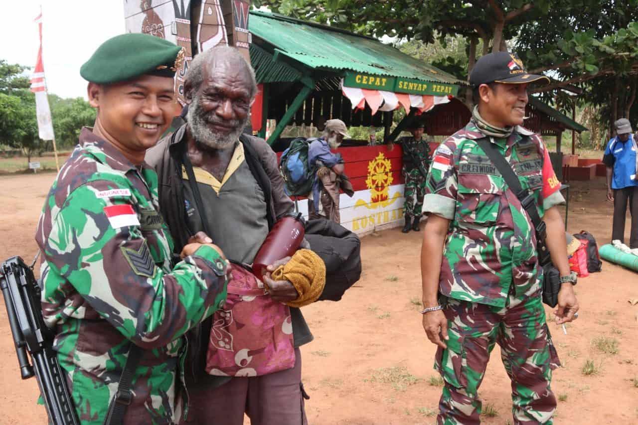 Senyum Humanis Satgas Yonif MR 411, Sukseskan Festival Budaya Suku Kanum