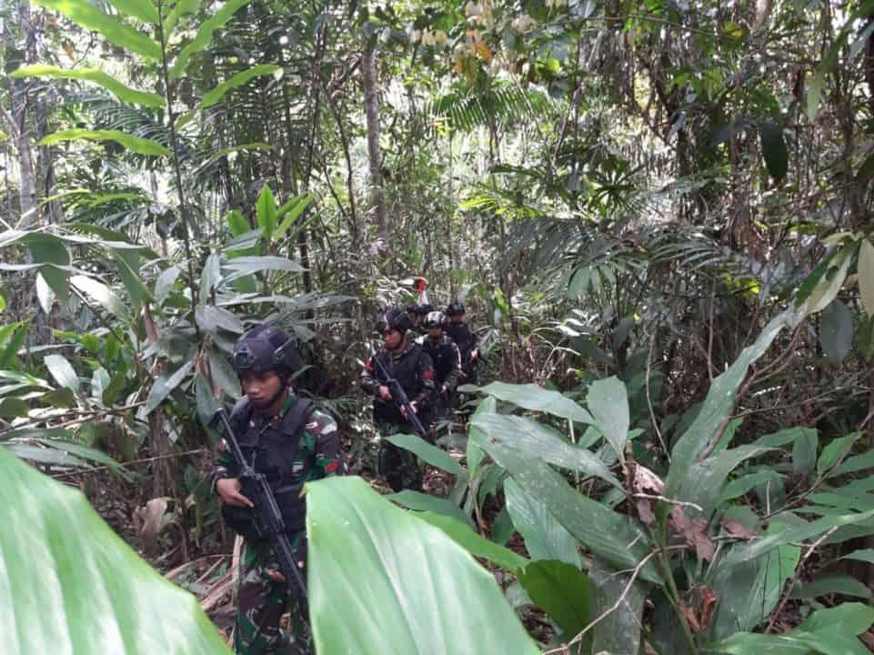 Jamin Keamanan dan Kedaulatan Negara, Satgas Yonif 300 Sisir Hutan Wambes Papua