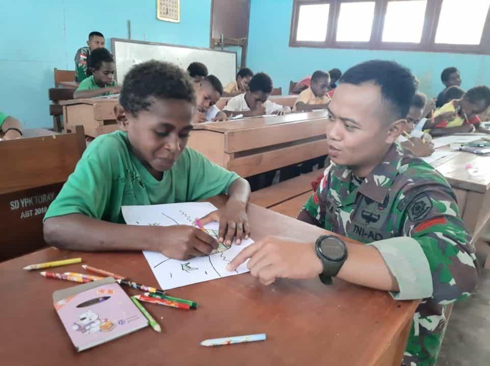 Tingkatkan Kreatifitas Anak Perbatasan, Satgas Yonif 411 Gelar Lomba Mewarnai di Merauke