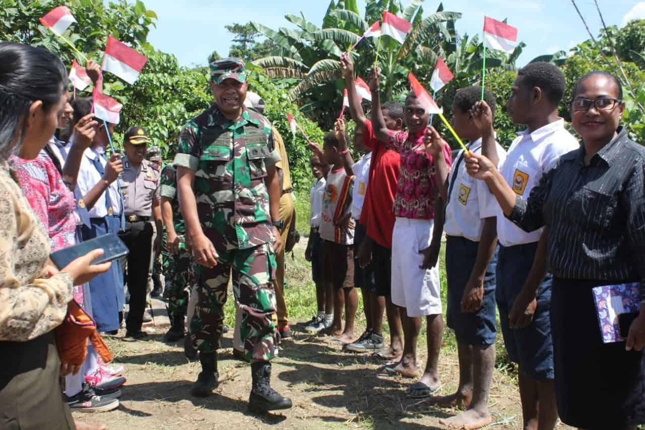 Kodam XVIII/Kasuari Terjunkan Empat Tim Gelar Bakti Sosial Daerah Sangat Terpencil di Papua Barat