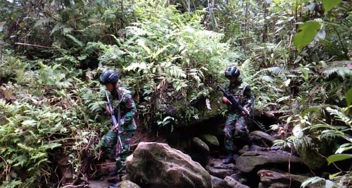 Patroli Hutan Satgas Raider 300, Ciptakan Rasa Aman Warga Papua