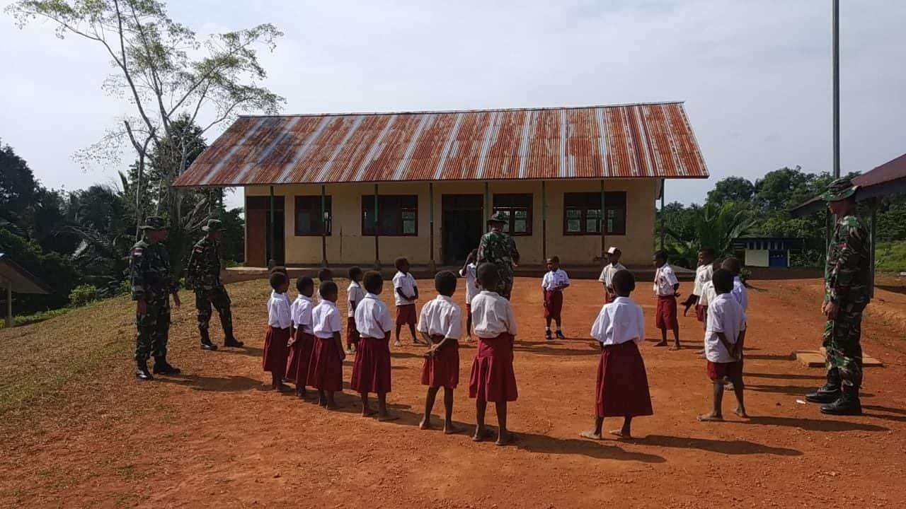 Bangun Motivasi Belajar, Yonif 406 Tingkatkan SDM anak Papua
