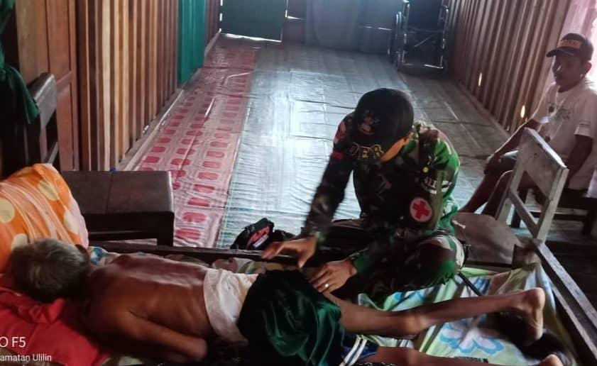 Sakit Menahun, Karso Diobati Satgas Yonif MR 411/Pdw