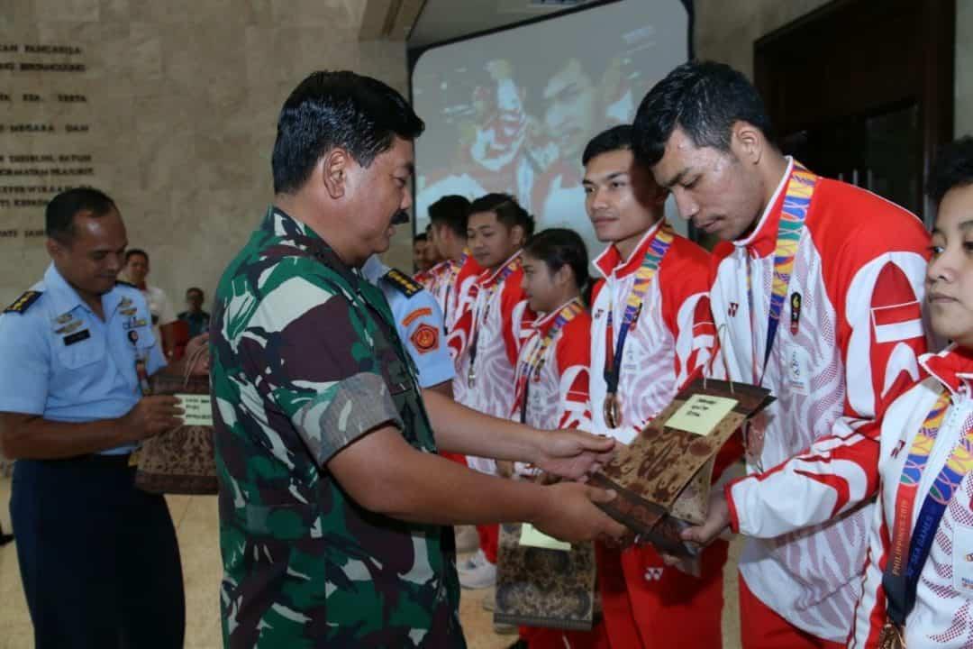 Persembahkan Medali Sea Games 2019, Atlet Karate TNI AD Diapresiasi Panglima TNI
