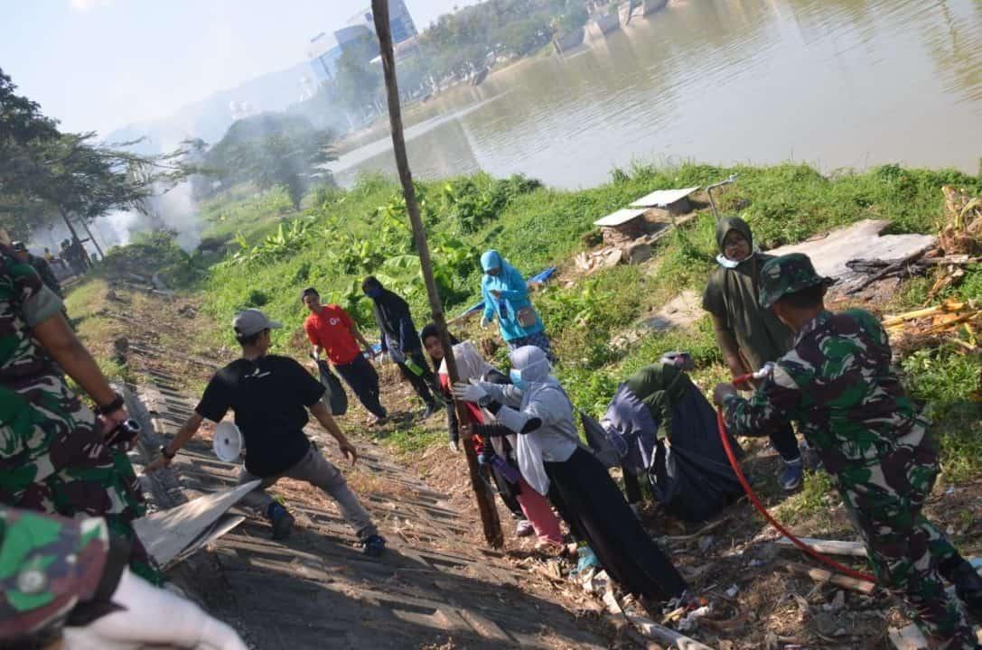 Kenang Peristiwa Tsunami Aceh, Prajurit Kodam IM Peduli Sungai Krueng Aceh