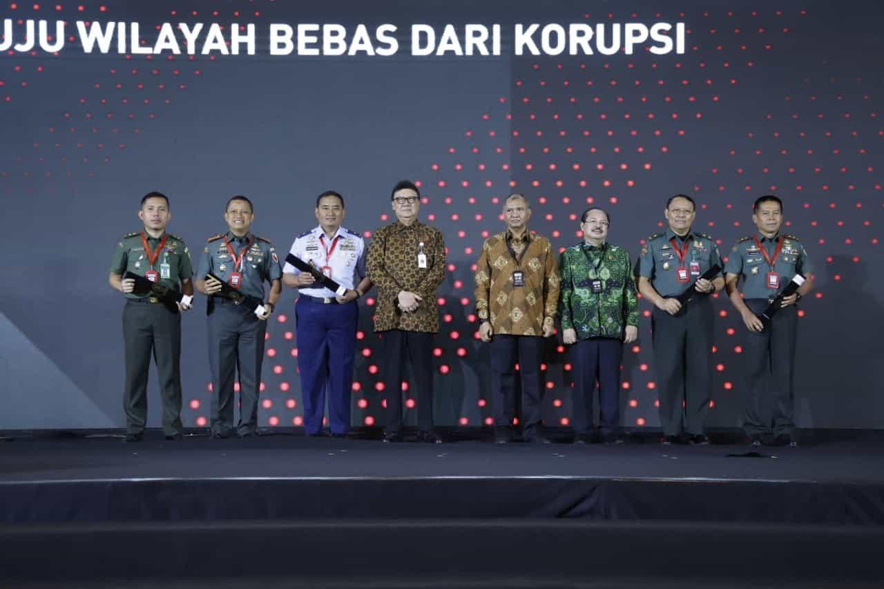 Dihadiri Wapres RI, Satuan TNI AD Raih Penghargaan Zona Integritas dari Kemenpan RB