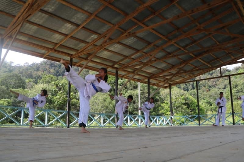 Latih Remaja Perbatasan, Satgas Yonif 300 Siap Lahirkan Karateka Tangguh dan Unggul