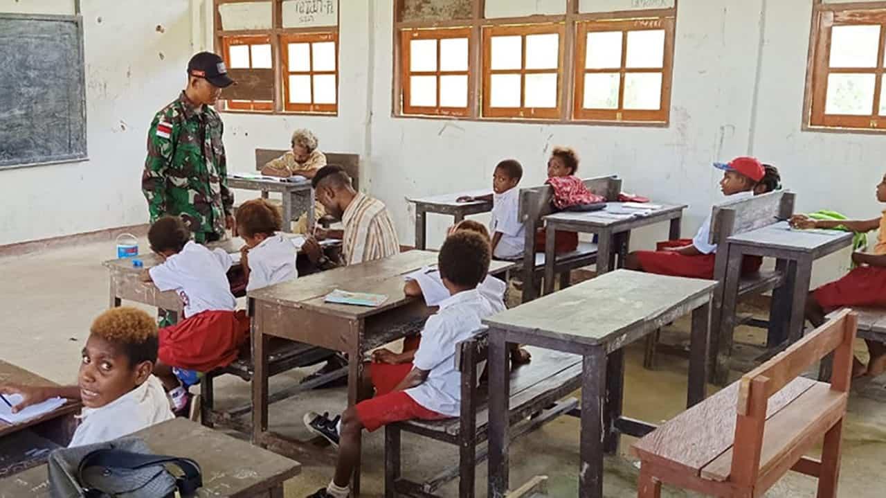 Bantu Mengajar di Perbatasan, Kehadiran TNI Dirasakan Rakyat