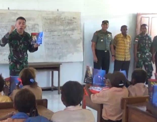 Ceria dan Akrab, Anak Perbatasan Belajar di Rumah Pintar Satgas Yonif 713/ST