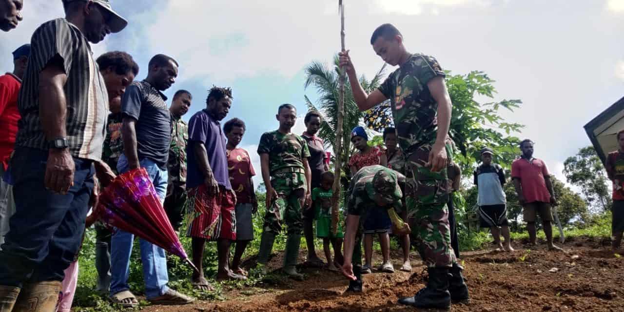 Berkebun, Tingkatkan Ekonomi dan Bangun Kemanunggalan TNI-Rakyat