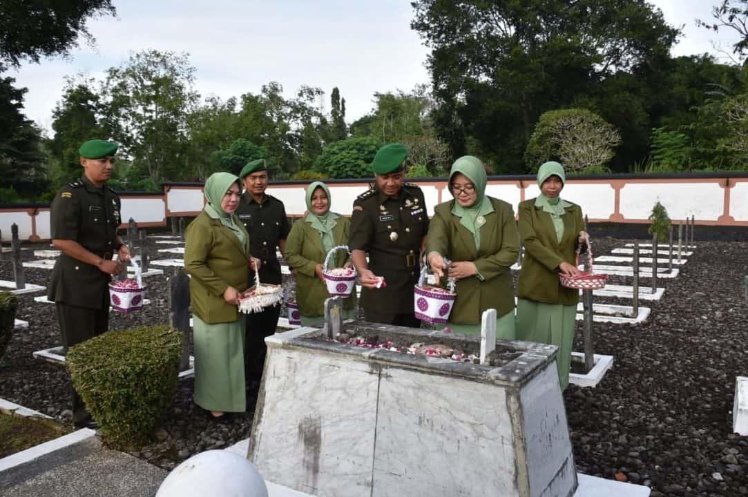 HUT Penerangan Angkatan Darat, Penhumas Akmil Ziarah ke TMP
