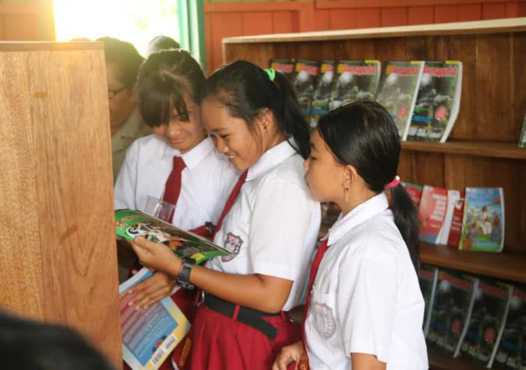 Rumah Baca Satgas Yonif 303, Tingkatkan Literasi Pemuda Perbatasan