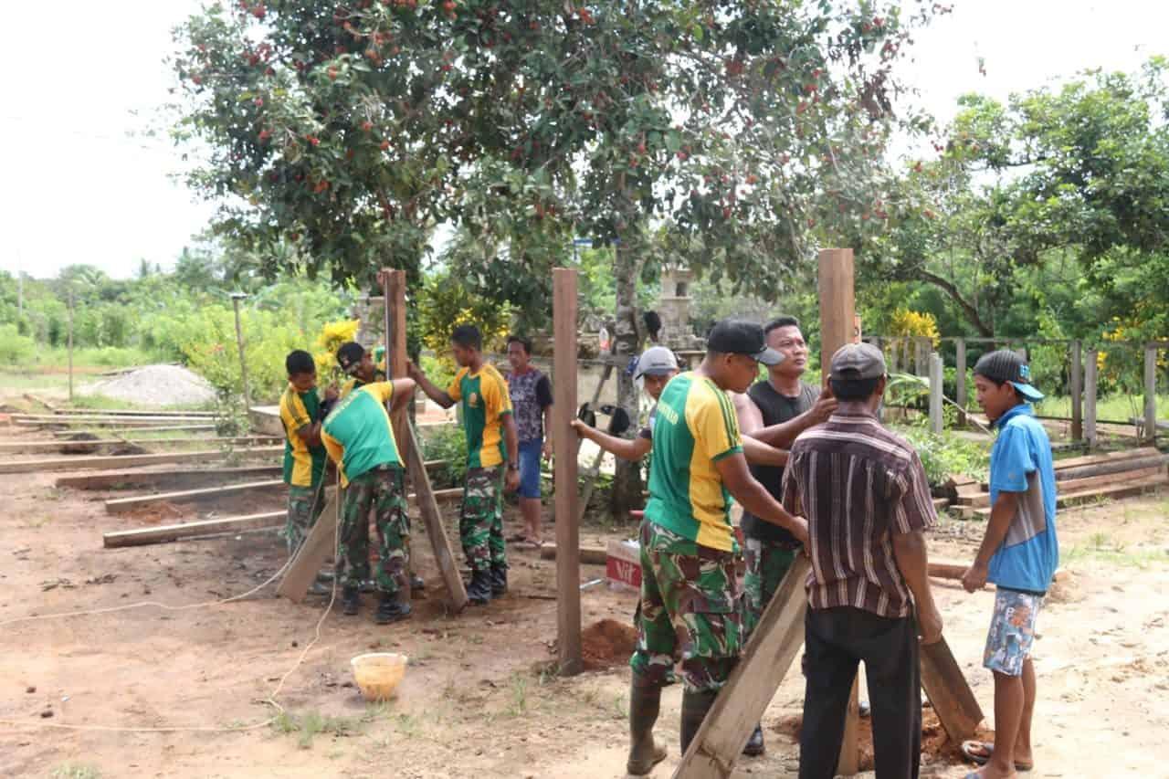 Karya Bakti Satgas Yonif MR 411, Tumbuhkan Toleransi dan Persaudaraan di Papua