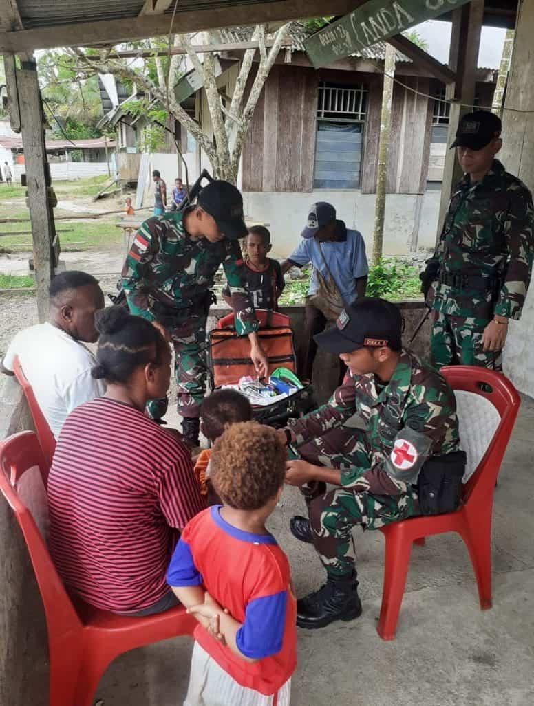 Pengobatan Massal Satgas Yonif 509, Silaturahmi dan Peduli Warga Papua