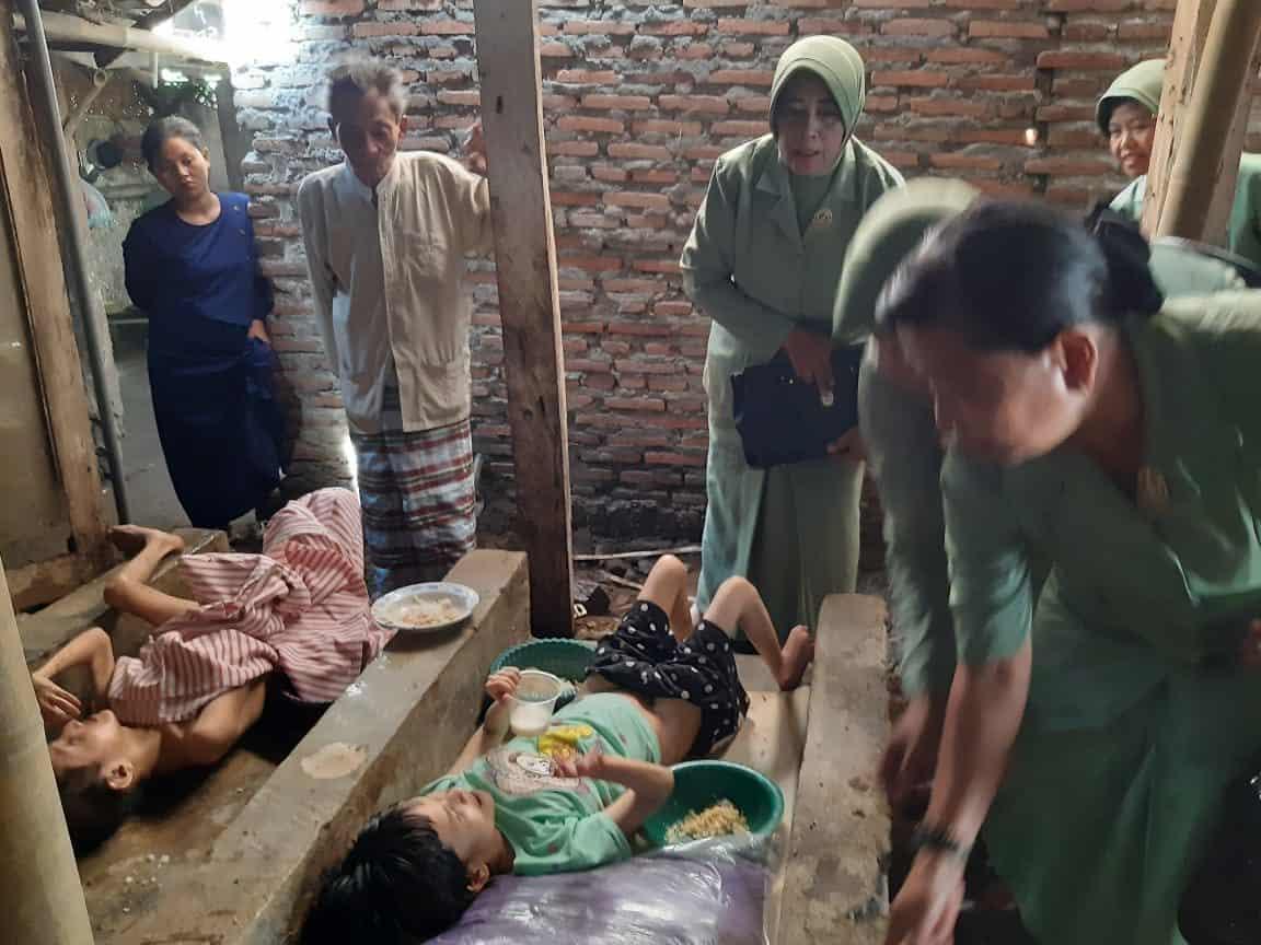 Rumah Baru Iyah, Nenek dengan 2 Anak Disabilitas