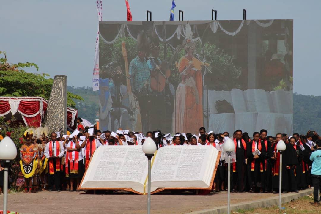 Suka Cita, Dua Pangdam Papua Rayakan Hari Perkabaran Injil Bersama Masyarakat