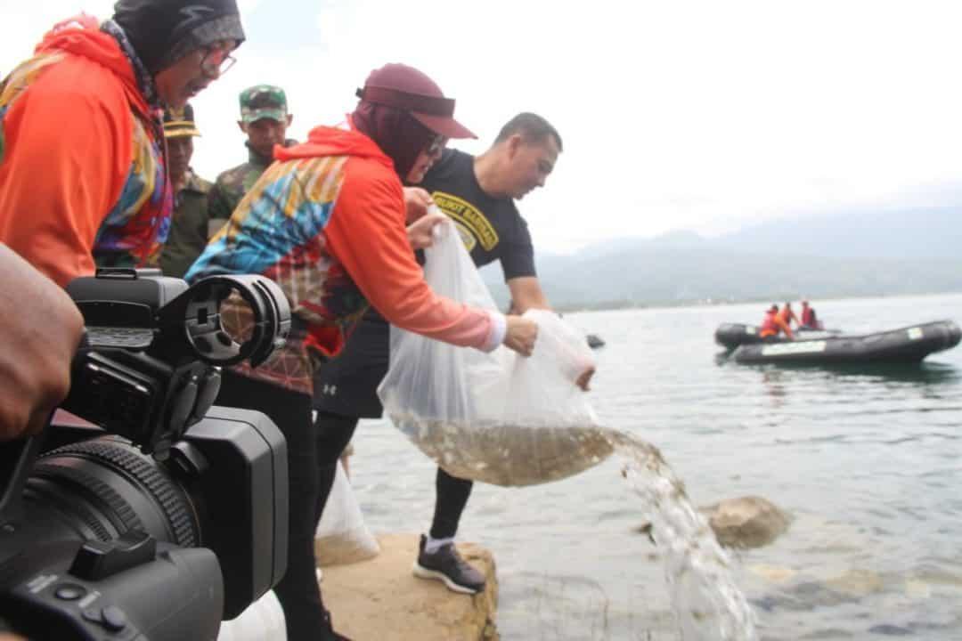 Unik, Gowes Bersama Wakasad, Baksos hingga Tebar Ikan di Danau Singkarak
