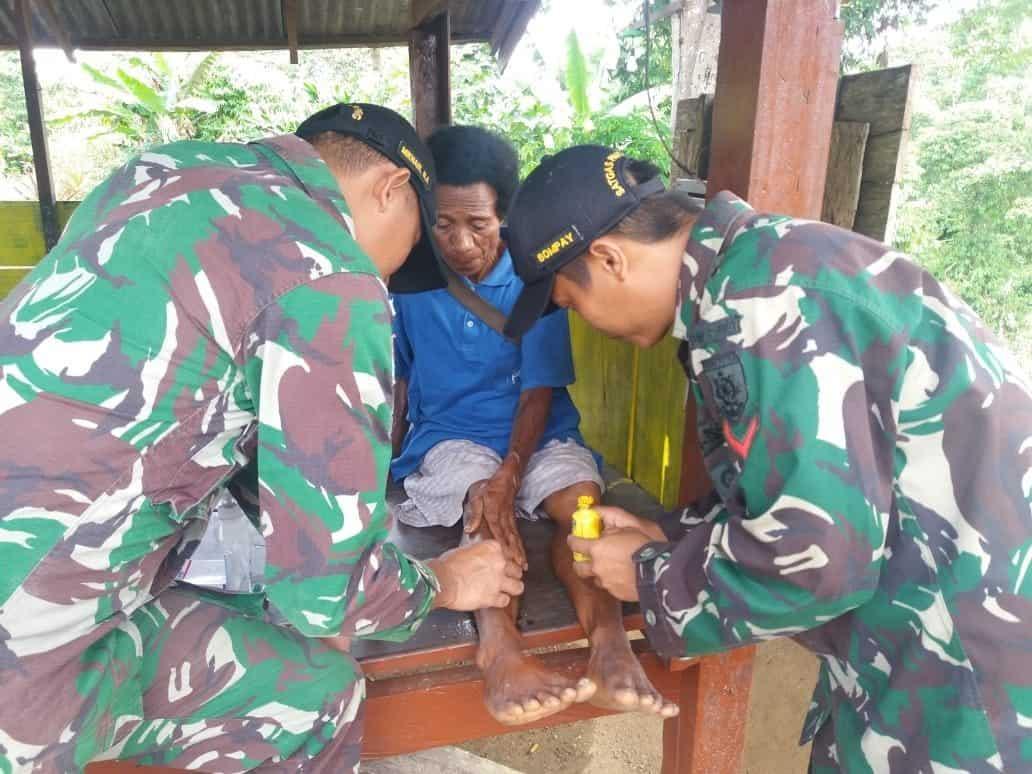Alami Luka dan Sakit, 3 Warga Papua Diobati Satgas Yonif 509