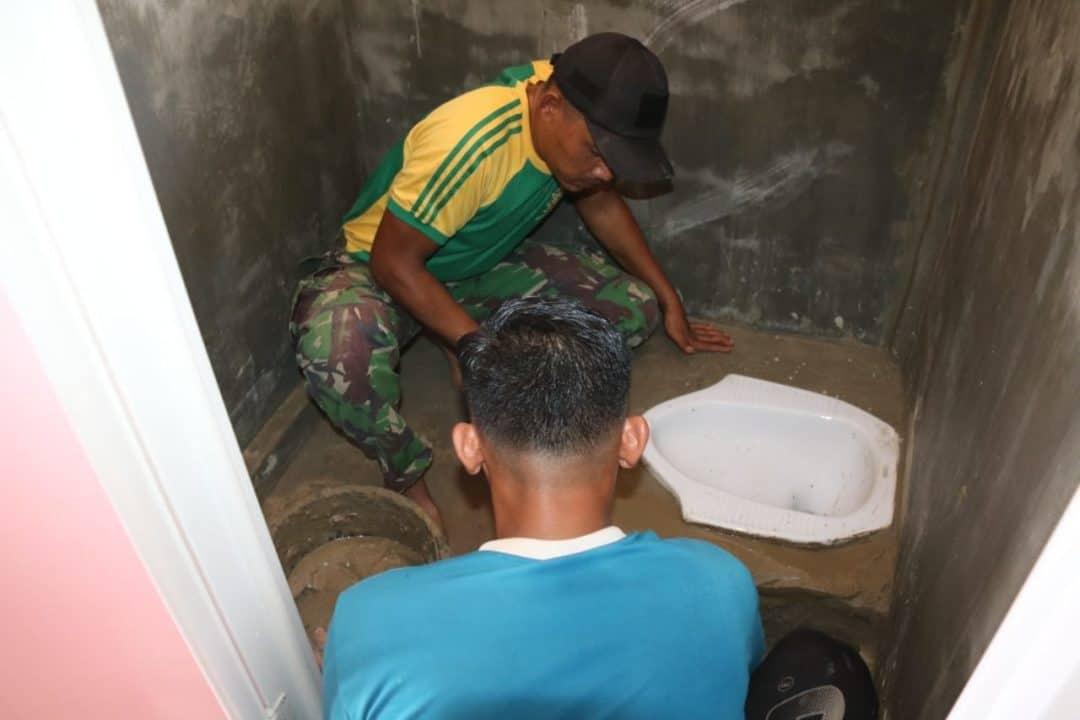 Jamban Satgas Yonif MR 411, Sehatkan Lingkungan di Papua